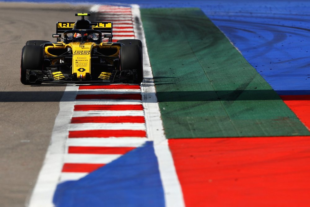 2018 Carlos Sainz | Renault RS18 | 2018 Russian GP Q1 1 copy.jpg