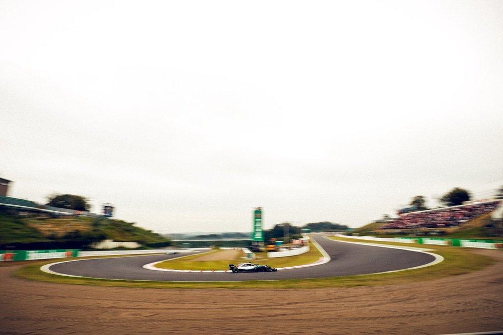 2018 Lewis Hamilton | Mercedes W09 | 2018 Japanese GP FP3 1 copy.jpg