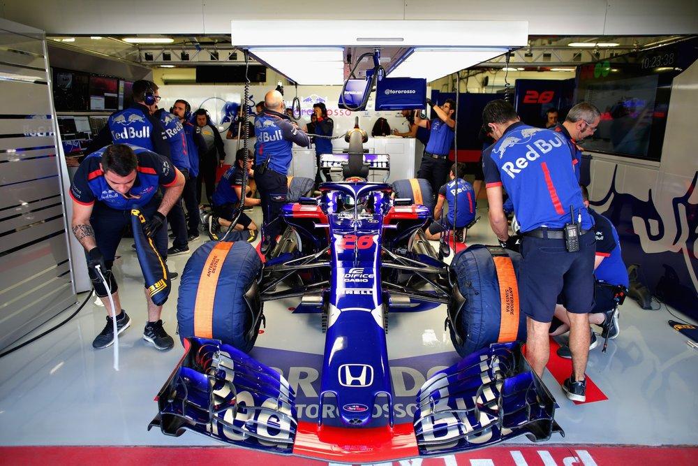 2018 Brendon Hartley | Toro Rosso STR13 | 2018 Mexican GP FP1 1 copy.jpg