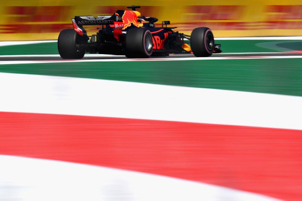 2018 Daniel Ricciardo | Red Bull RB14 | 2018 Mexican GP FP1 2 copy.jpg