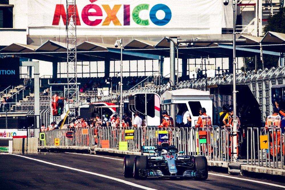 2018 Lewis Hamilton | Mercedes W09 | 2018 Mexican GP FP1 2 copy.jpg