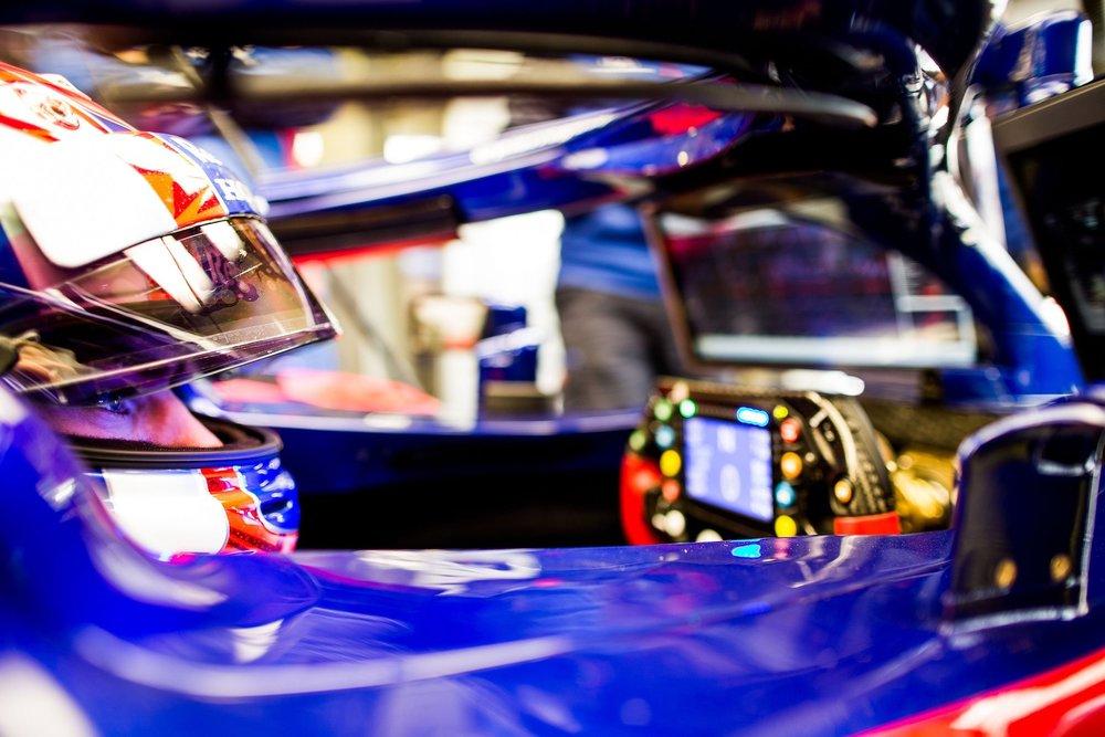 1 2018 Pierre Gasly | Toro Rosso STR13 | 2018 Mexcan GP FP3 2 copy.jpg