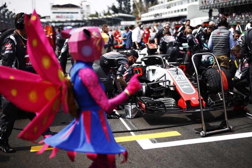 B 2018 Kevin Magnussen | Haas VF18 | 2018 Mexican GP 1 copy.jpg