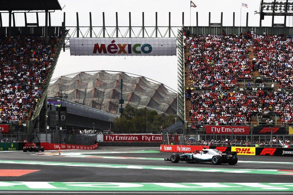 G 2018 Lewis Hamilton | Mercedes W09 | 2018 Mexican GP WDC 6 copy.jpg