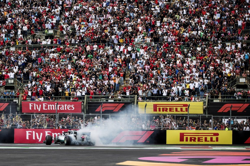 V 2018 Lewis Hamilton | Mercedes W09 | 2018 Mexican GP WDC 9 copy.jpg