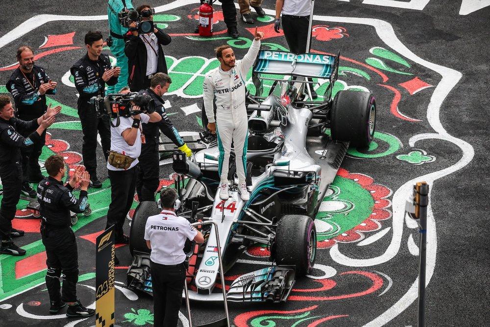 W 2018 Lewis Hamilton | Mercedes W09 | 2018 Mexican GP WDC 3 copy.jpg