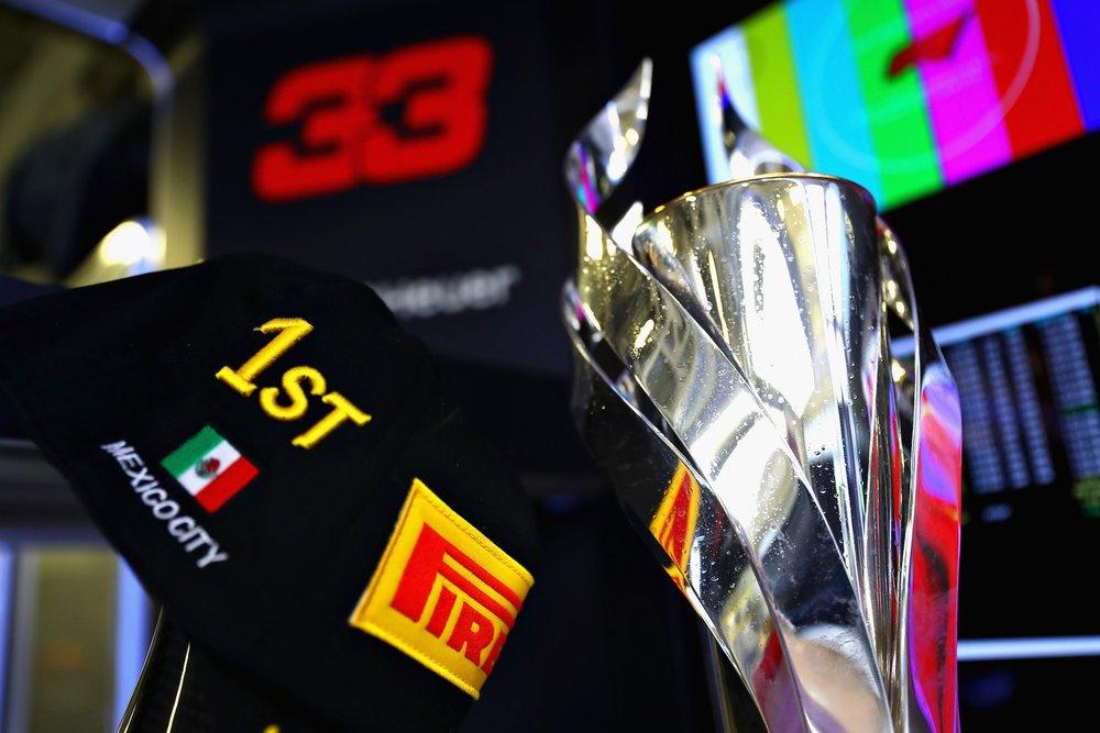 W 2018 Max Verstappen | Red Bull RB14 | 2018 Mexican GP winner 2 copy.jpg
