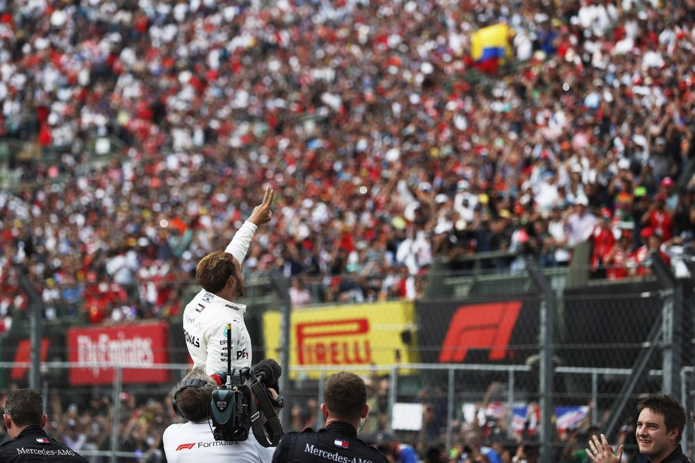 X 2018 Lewis Hamilton | Mercedes W09 | 2018 Mexican GP WDC 7 copy.jpg