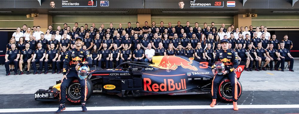 2018 Red Bull Team family photo | 2018 Abu Dhabi GP 2 copy.jpg
