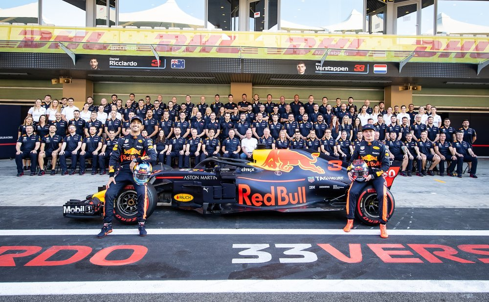 2018 Red Bull Team family photo | 2018 Abu Dhabi GP 1 copy.jpg