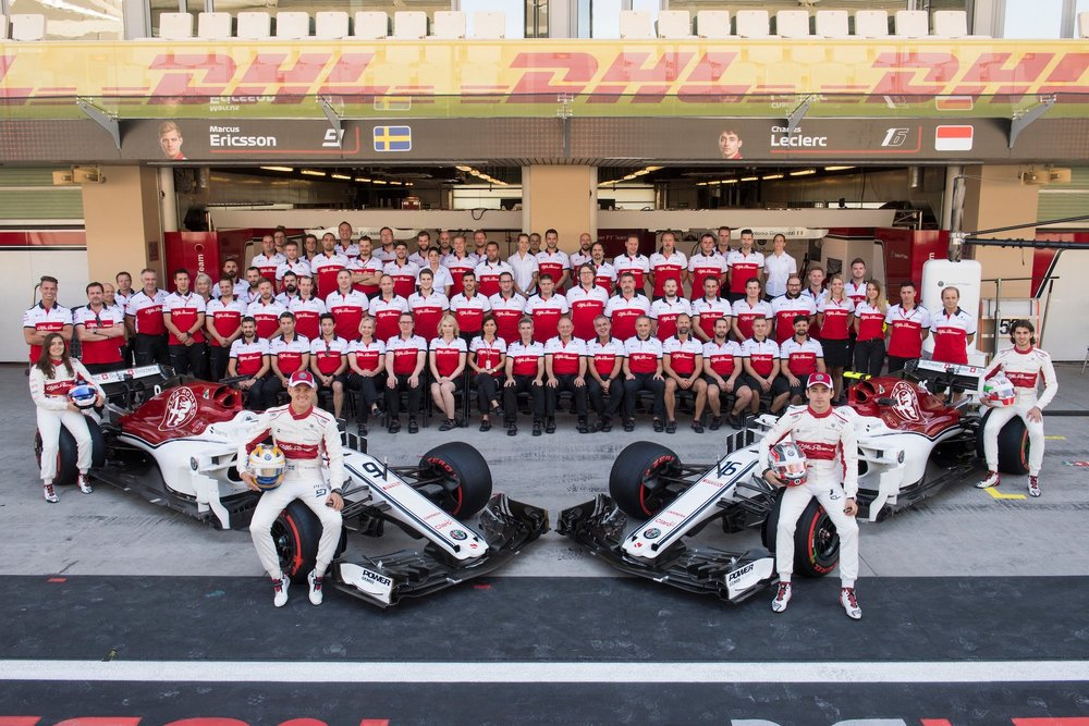 B 2018 Alfa Romeo Sauber Team Family photo | 2018 Abu Dhabi GP 1 copy.jpg