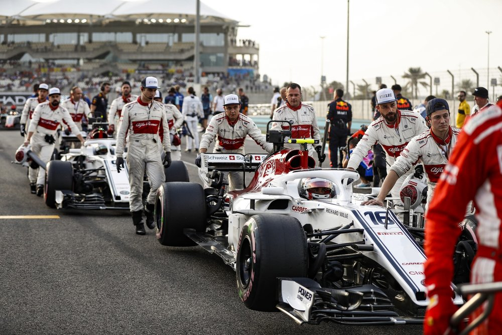 B 2018 Sauber Team getting to the grid | 2018 Abu Dhabi GP copy.JPG