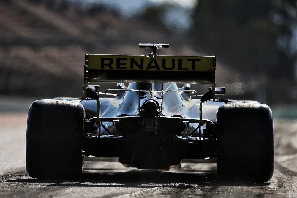2019 Daniel Ricciardo | Renault RS19 | 2019 Barcelona T1 D1 2 copy.jpg