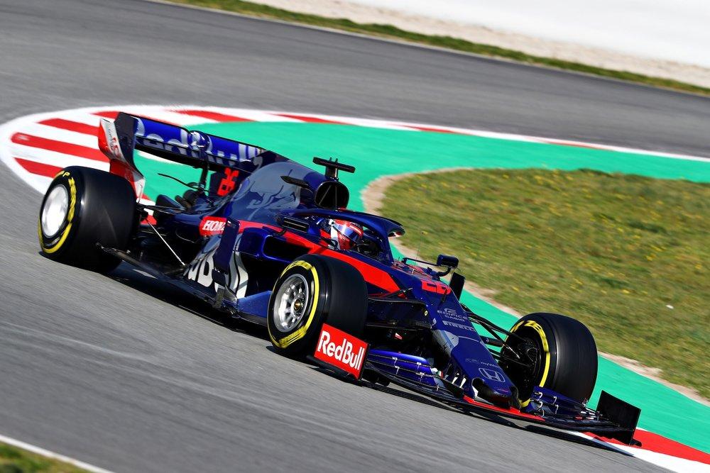 2019 Daniil Kvyat | Toro Rosso STR14 | 2019 Barcelona T2 D4 1.jpg
