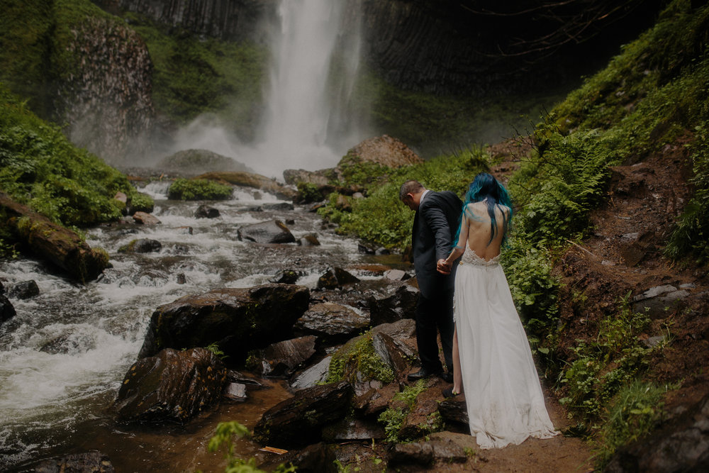 Maheux Studios Photography - destination wedding photographer - oregon wedding photographer - colorado wedding photographer - iceland wedding photographer - new zealand wedding photographer