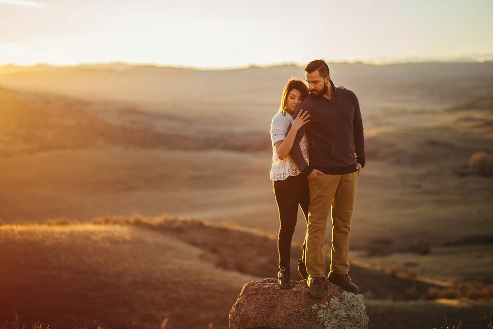 mountain-and-mood-destination-wedding-photographer-engagement-session_0017.jpg