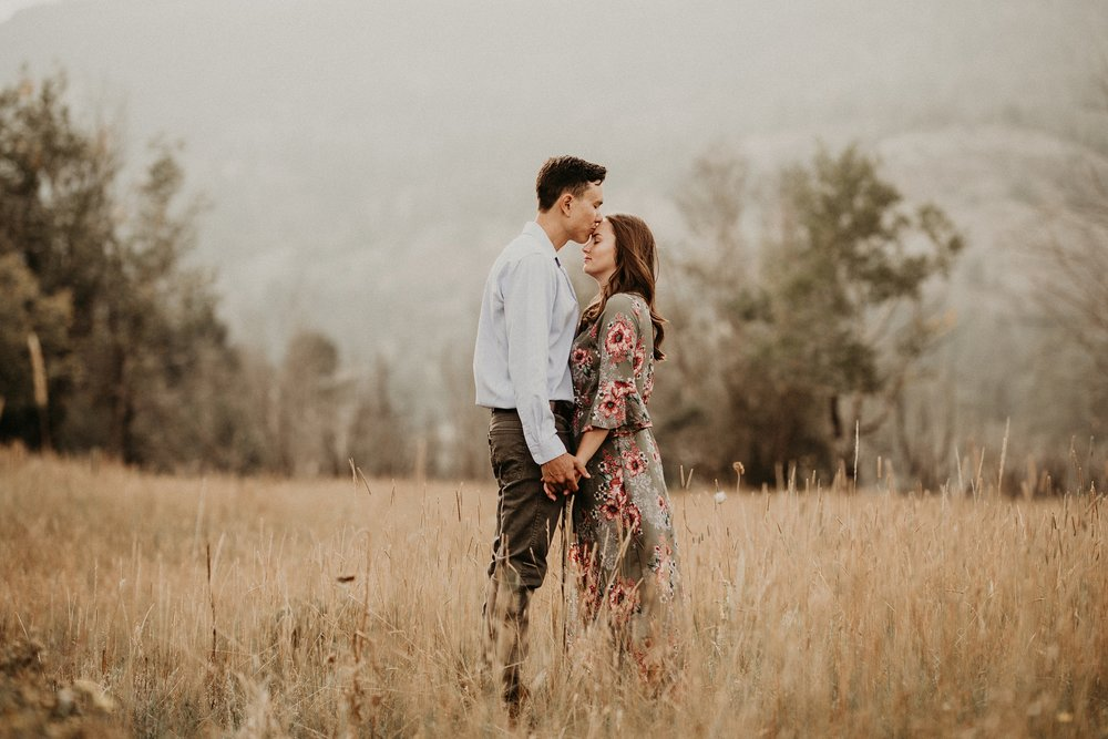 mountain-and-mood-destination-wedding-photographer-engagement-session_0027.jpg