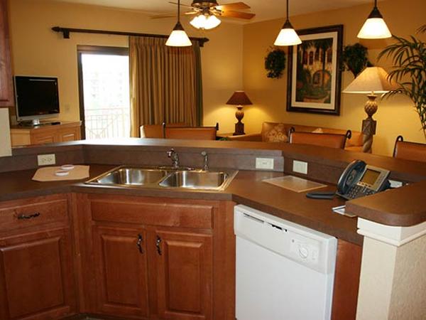 bonnet-creek-deluxe-kitchen.jpg