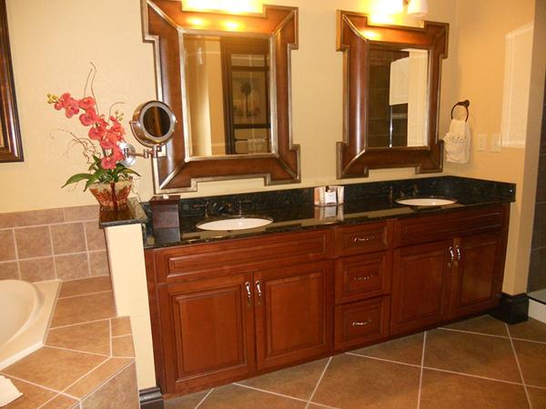 bonnet-creek-presidential-bathroom.jpg