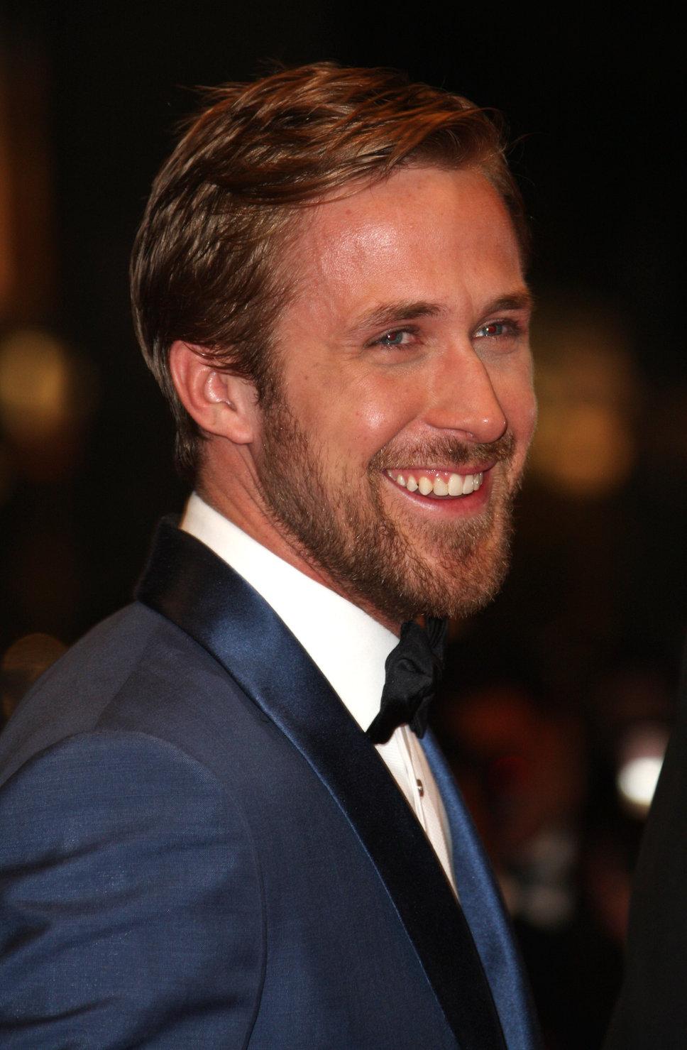 ryan_gosling_blonde_beard_blue.jpg