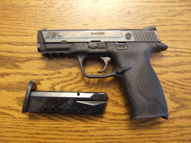 Smith & Wesson M&P (Wikipedia)