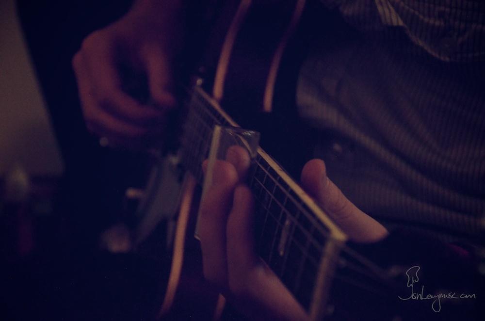 Rory_Sullivan_Album_06_Jon_Slide_Guitar.jpg