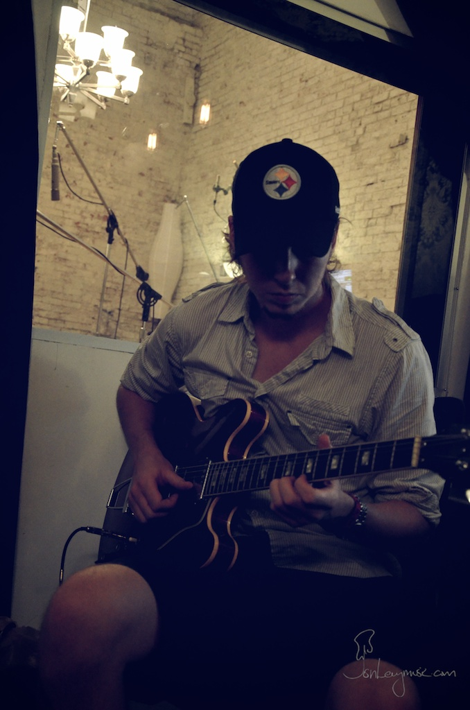 Rory_Sullivan_Album_14_Jon_Levy.jpg