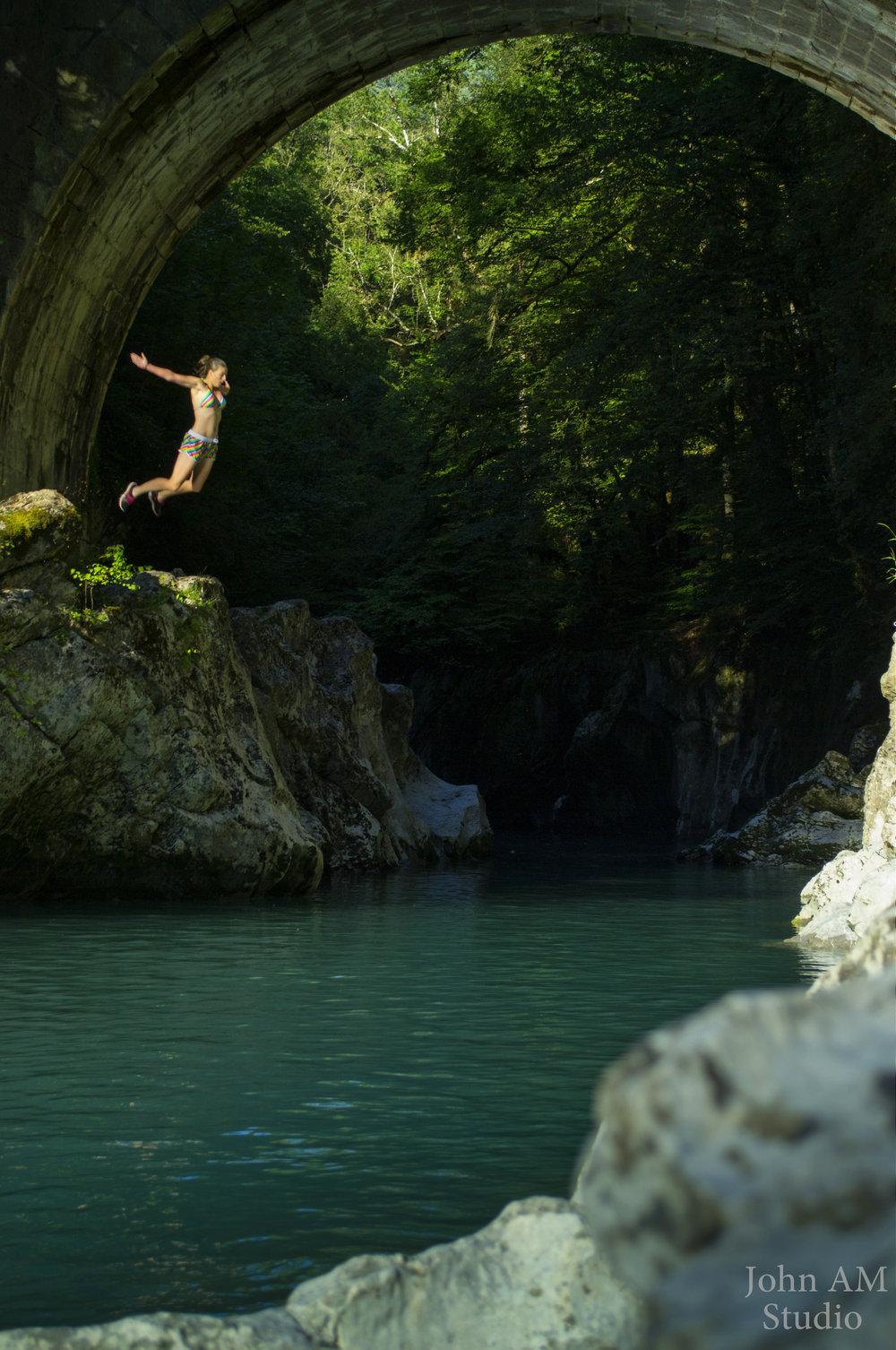 Cliff Jump @Pont du diable