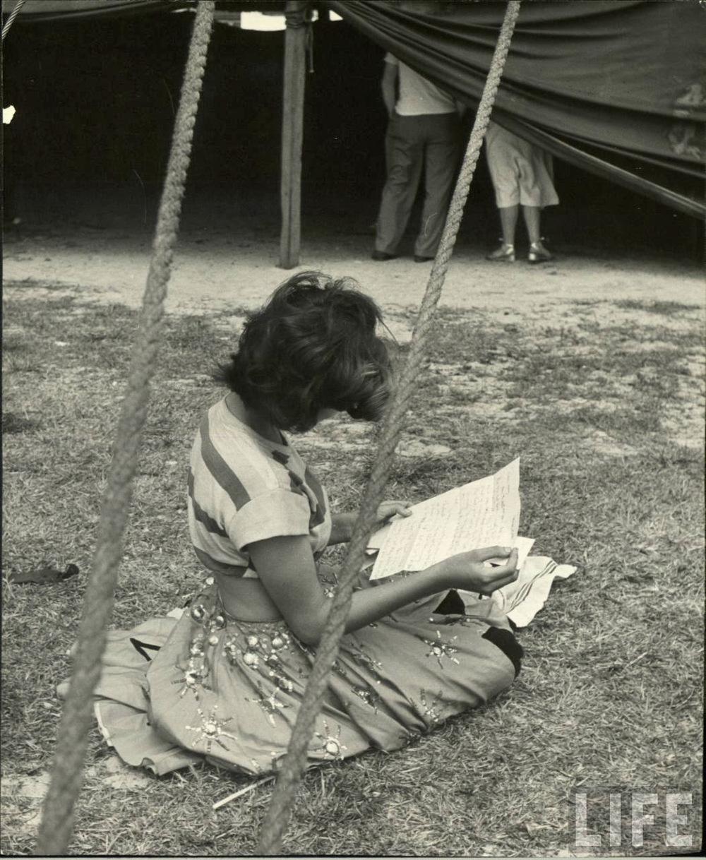 Daily Life of Circus Girls in Sarasota, Florida, ca. 1949 (5).jpg