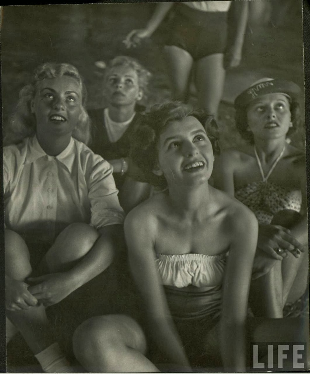 Daily Life of Circus Girls in Sarasota, Florida, ca. 1949 (6).jpeg