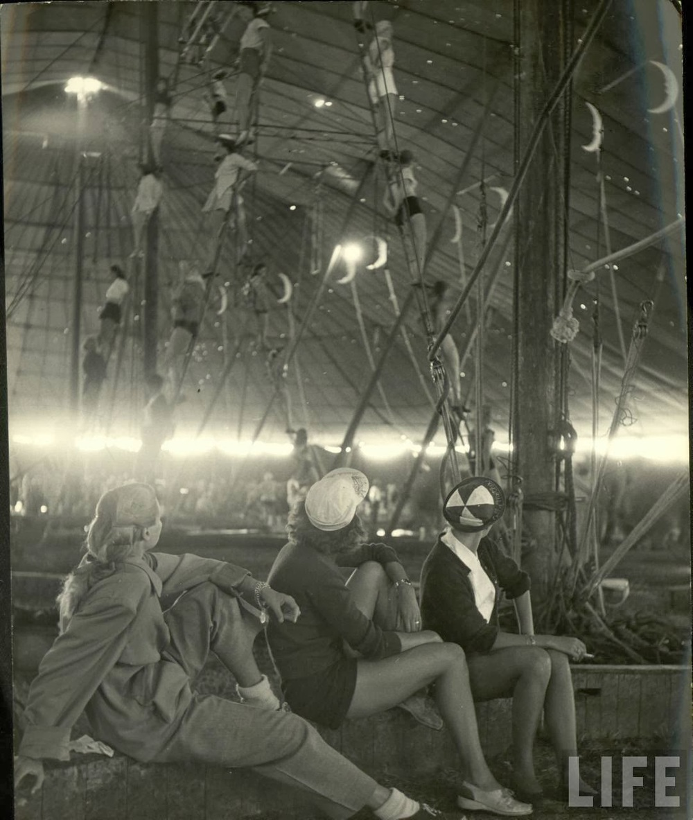 Daily Life of Circus Girls in Sarasota, Florida, ca. 1949 (10).jpg