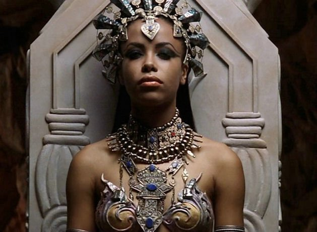 aaliyah-as-akasha-queen-of-the-damned-aaliyah-18438460-629-461.jpg