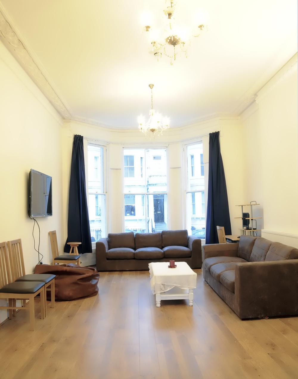 La nostra area lounge è un posto perfetto per conoscere amici da tutto il mondo.