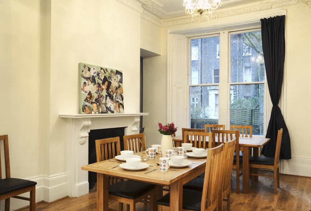 Unser Frühstücks- Esszimmer ist auch ein guter Platz um andere Reisende kennenzulernen.
