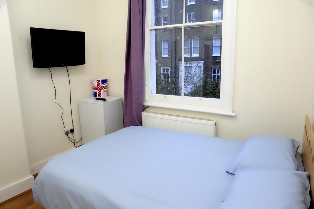 Goditi una TV tutta per te e un comfort imbattibile a prezzo abbordabile nella nostra stanza privata con letto matrimoniale.