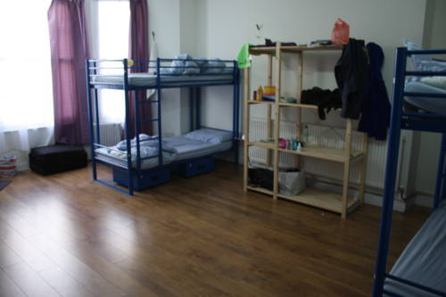 hostel-dorm-room-1.jpg