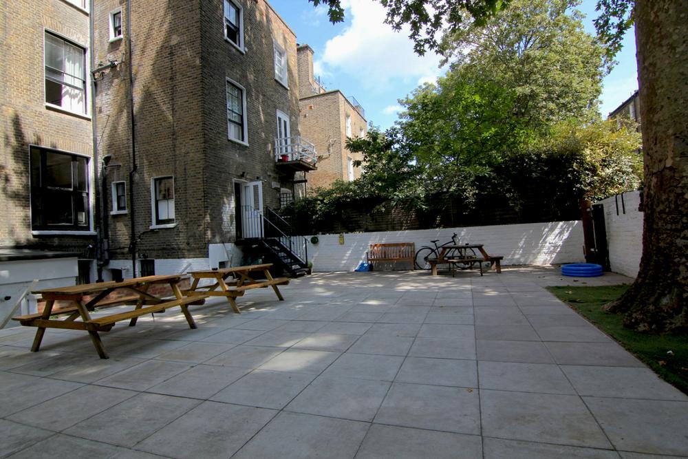 hostel-garden-3.jpg