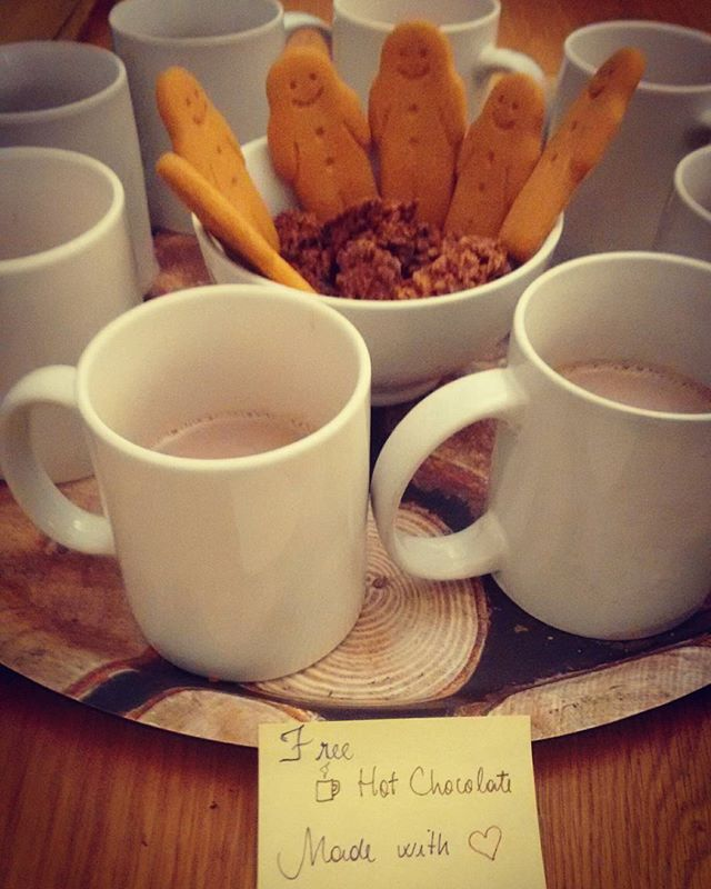 To keep our guests warm on the cozy Monday ☕😘 #yummy  #Winter #StJamesHostel #Chocolate #EarlsCourt #LondonLifey #LondonHostel #London #Backpacker #Travel  #Traveling #Instafood