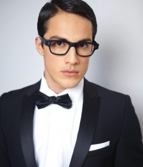 michael-trevino-glasses-e1334282846655.jpg