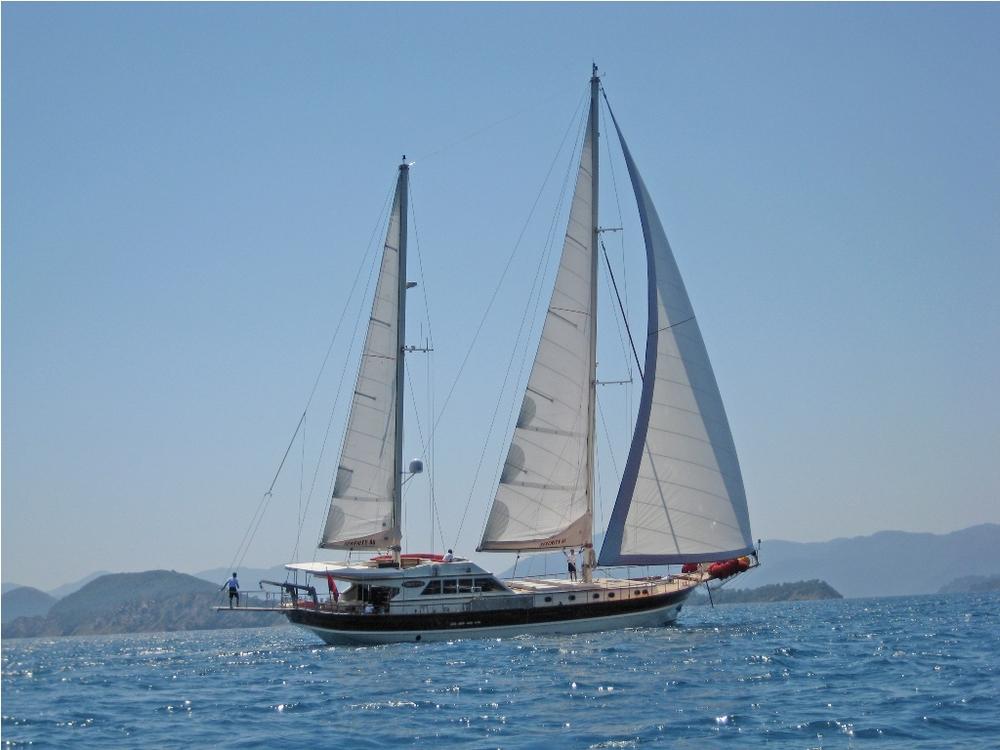SERENITY 86 - Sailing 09.JPG