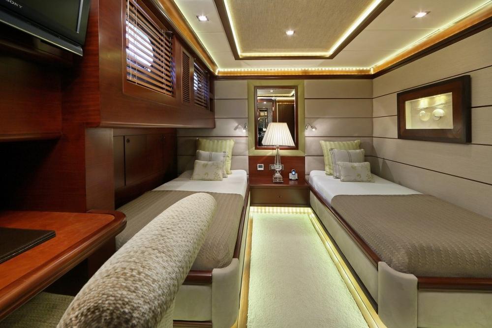 guest_cabin_3.jpg