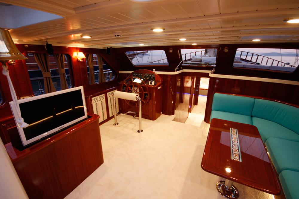 gulet-white-goose-interior (2).jpg