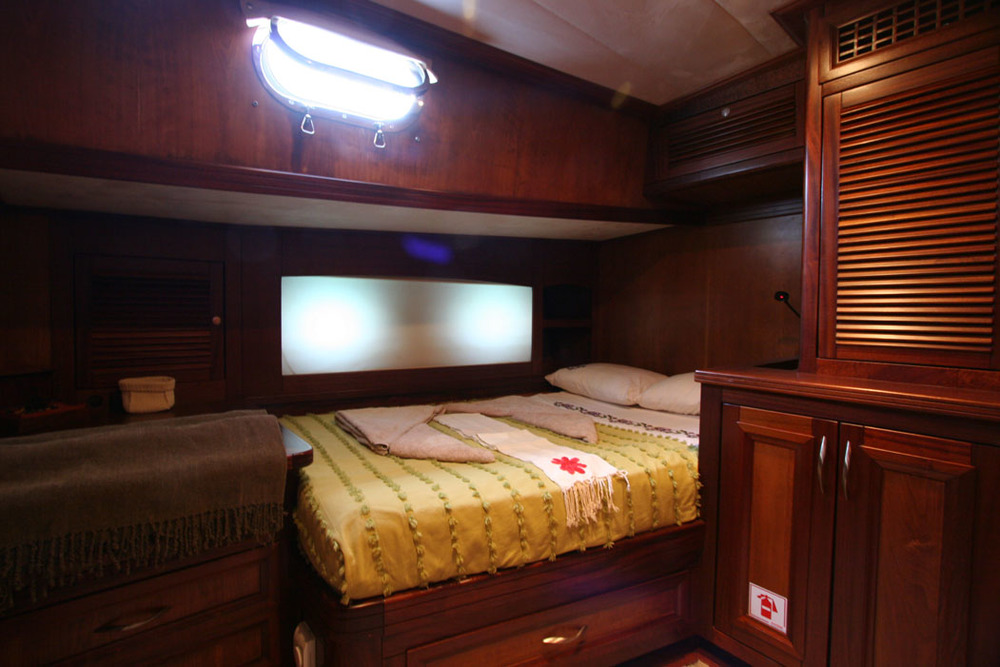 FREYA - Port Side Double Cabin (1).JPG