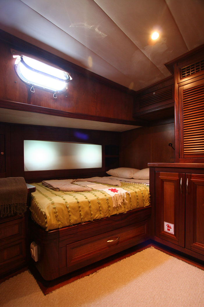 FREYA - Port Side Double Cabin (2).JPG