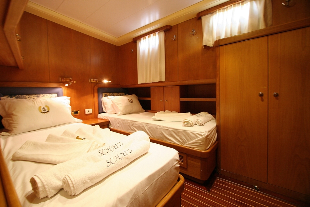 SCHATZ - Twin Cabin (2).JPG