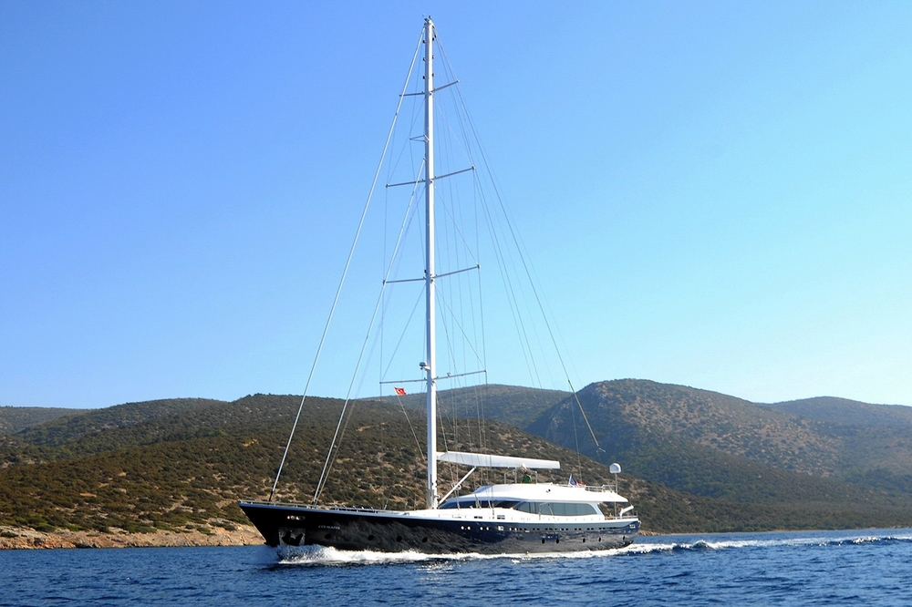 luxury_yacht_gulmaria_in_turkey.jpg