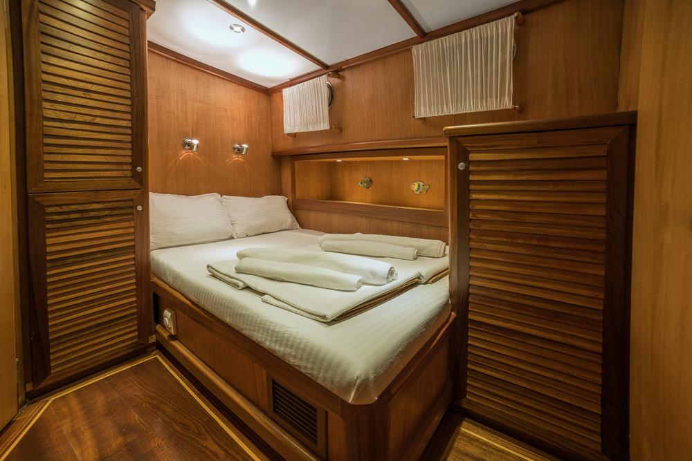 10-Sude+Deniz+Double+Berth+Cabin.jpg