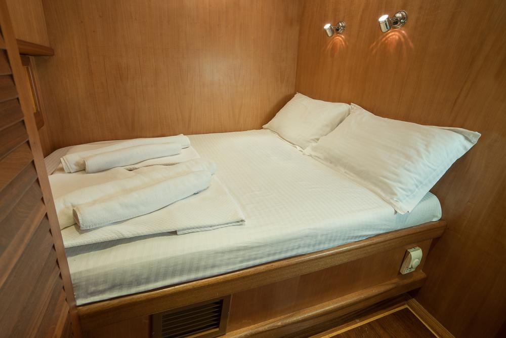 12-Sude+Deniz+Double+Berth+Cabin.jpg