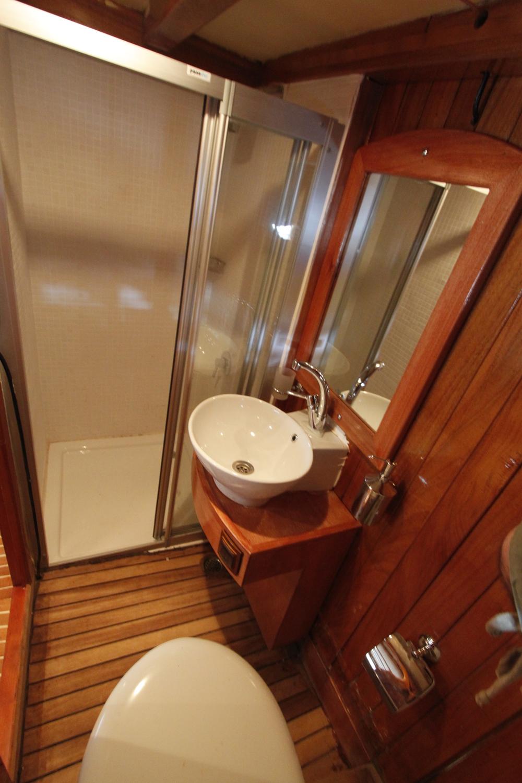 13-Sude+Deniz+WC-Shower.JPG