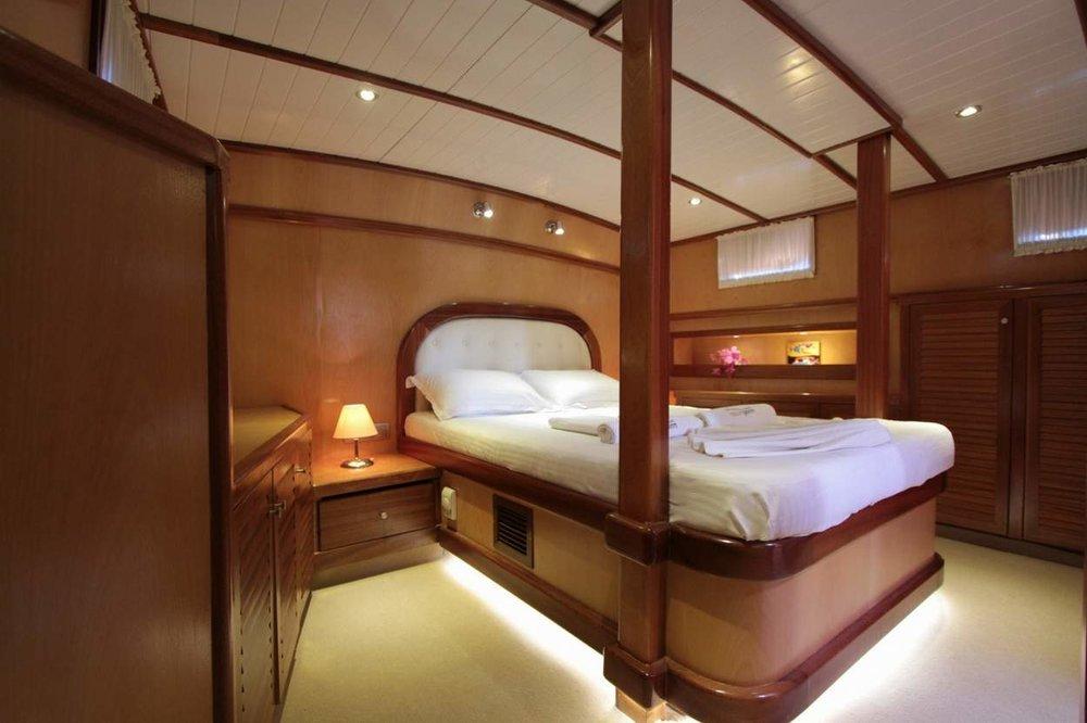 278_8-Dora Deniz Master Cabin 01.jpg